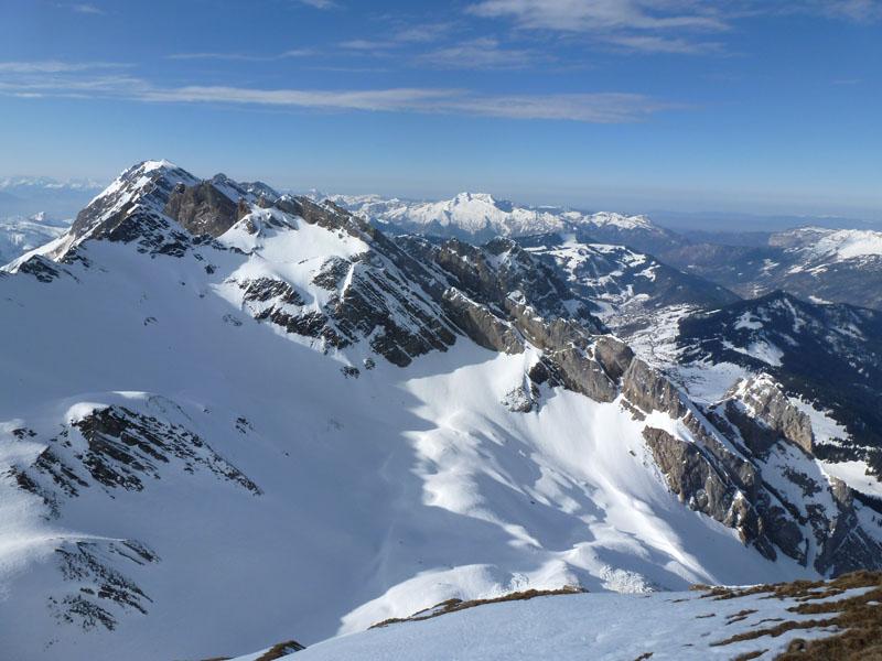 la combe de Tardevant et la Tournette depuis le sommet