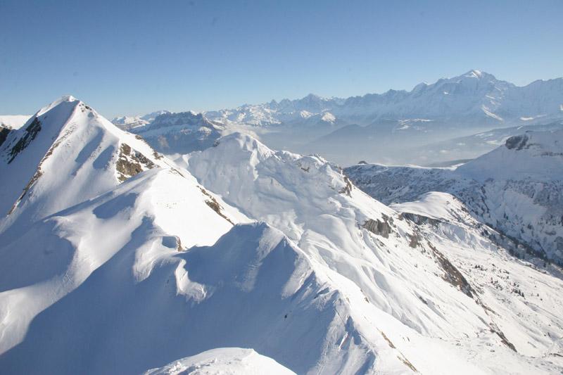 la Tête de Paccaly et le massif du Mont Blanc depuis le sommet du couloir Est