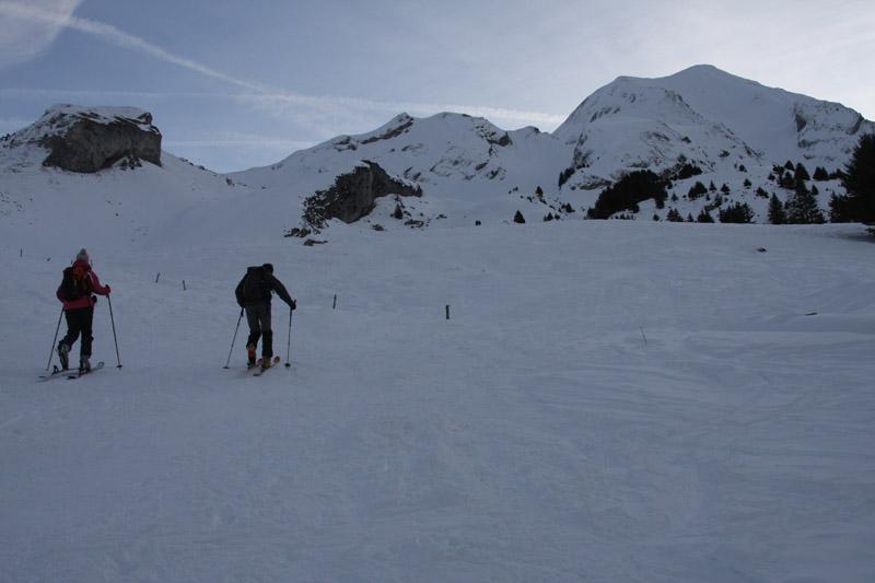 Pierre et Sandrine à la montée, face au Charvin