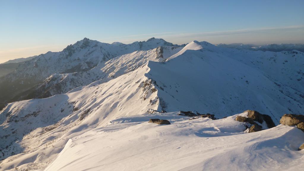le Monte d'Oro et la Pointe de Pinzi Corbini depuis l'arête Sud de Punta Muzzela