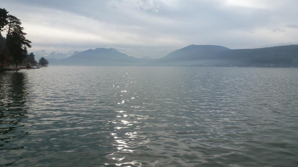 le lac au Petit Port