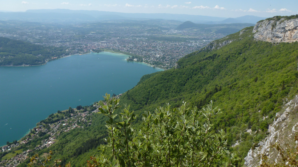 Annecy et le lac depuis la gare de l'ancien téléphérique