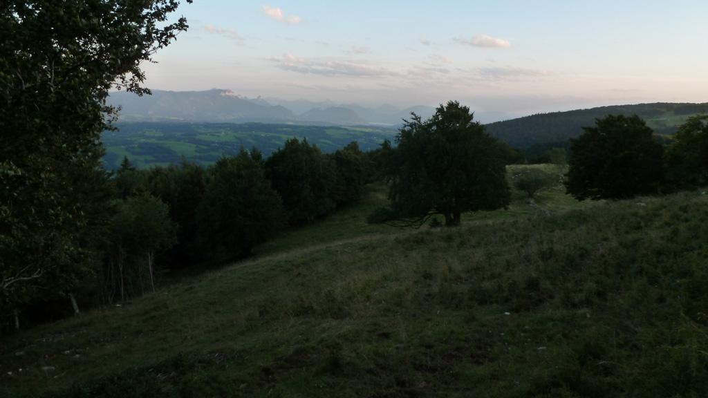coucher de soleil sur Annecy et le Parmelan depuis la Grange Gaby