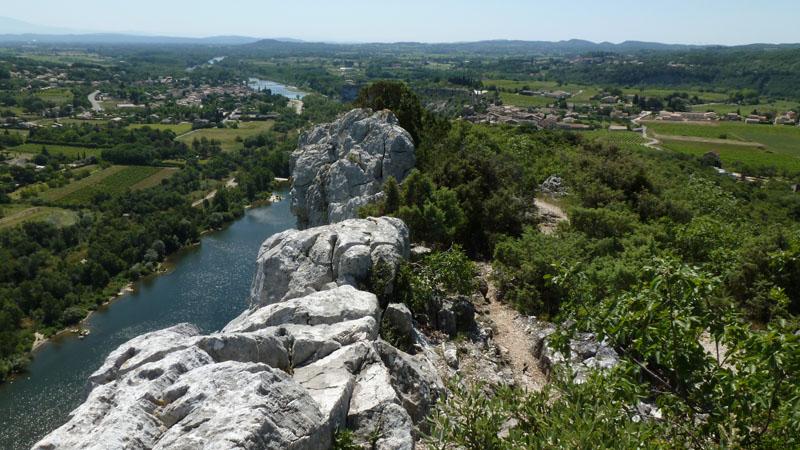 Saint-Martin-d'Ardèche, l'Ardèche et Aiguèze depuis le point de vue d'Aiguèze