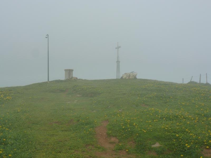 le sommet ... bonne visu grâce à un bon coup de vent...