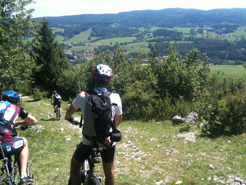 descente vers Foncine-le-Haut depuis le sentier botanique