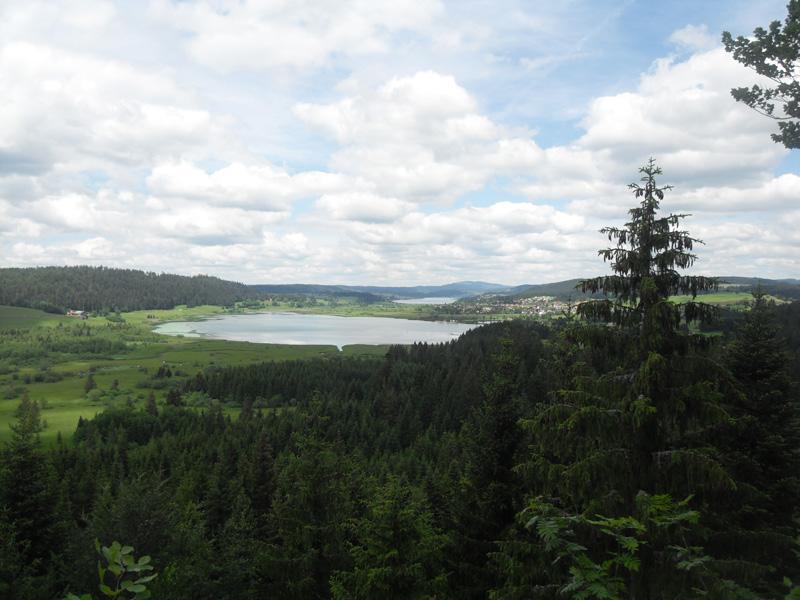 les lacs de Remoray et de Saint Point depuis le Belvédère des Deux Lacs